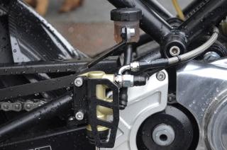 Norton Commando 961 Cafe Racer - Cache liquide frein